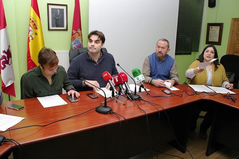 Equipo de Gobierno del Ayuntamiento de Cacabelos. Foto: Raúl C.