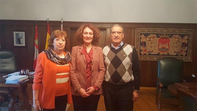 Gloria Fernández Merayo recibe al presidente de la Federación de casas de Castilla y León en Argentina