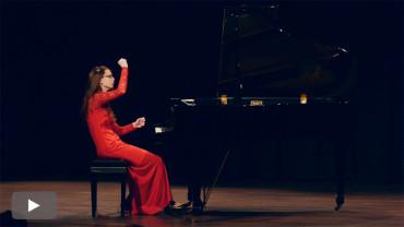 'Luces y sombras', el contraste de sonoridades musicales interpretadas por Esperanza Martín