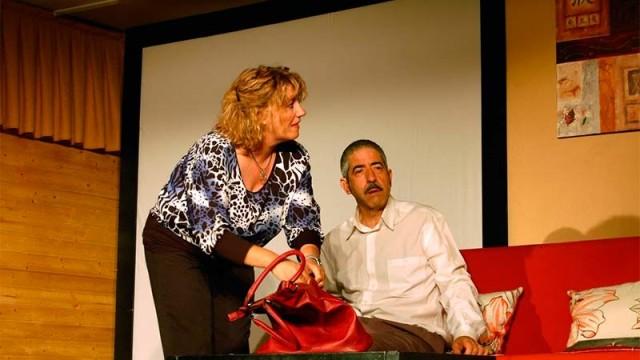 Esfinge Teatro presenta en Cubillos 'El verbo amar'