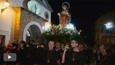 Flores del Sil celebra la procesión del Santo Cristo del Camino