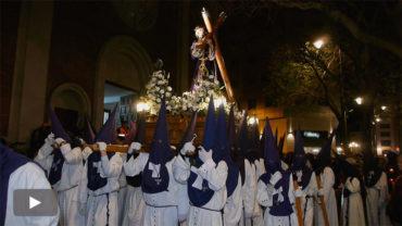 La Cofradía de Jesús Nazareno procesiona el paso del Silencio