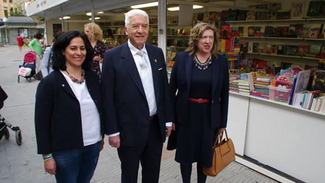 """Manuel Rodríguez defiende a los libreros que trabajan para """"elevar el nivel cultural de las gentes"""""""