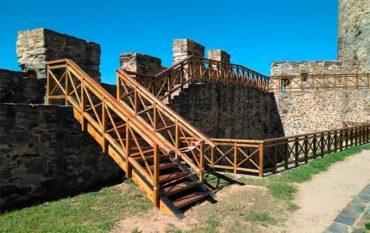 Mejorada la seguridad de los recorridos peatonales del Castillo de los Templarios