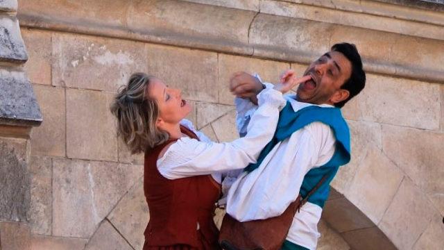 Zarabanda presenta en Cubillos del Sil la comedia 'Cómicos de paso'