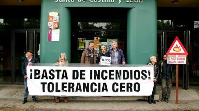 8.000 firmas de indignación piden medidas para evitar incendios como el de la Tebaida Berciana
