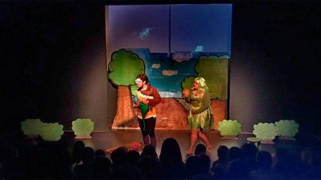 8 colegios presencian el espectáculo 'La casita de Lola' en Caem Vida