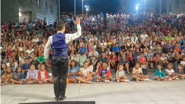 Cubi-Magia reúne en Cubillos a una selección de magos de España, Francia, Argentina, Cuba y China