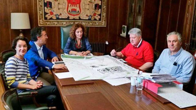 Ayuntamiento y Dirección de la Vivienda delimitan las zonas a rehabilitar en Ponferrada