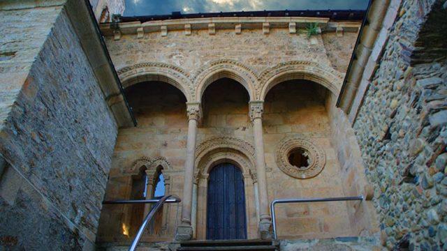 El Monasterio de Carracedo acoge en julio la Escuela de Paisajes José Carralero