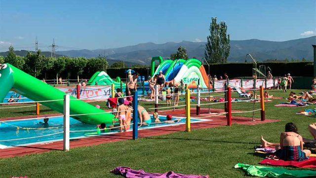 Camponaraya celebra un día de puertas abiertas en las piscinas municipales