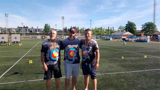 Los veteranos del arco berciano hacen plata y bronce en el Campeonato Autonómico