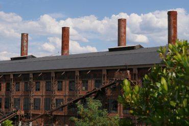 Las chimeneas del Museo de la Energía pendientes de restauración