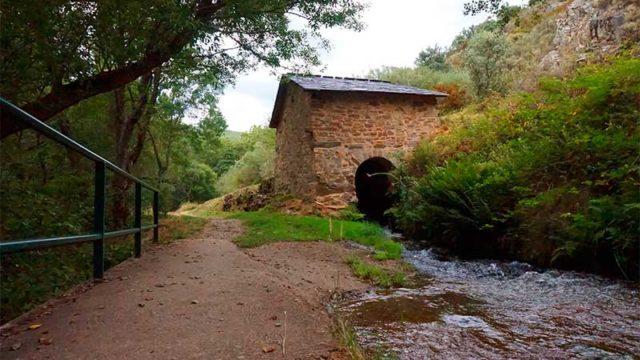 Folgoso de la Ribera abre las rutas de senderismo de la Fuente de Hierro y los Canales