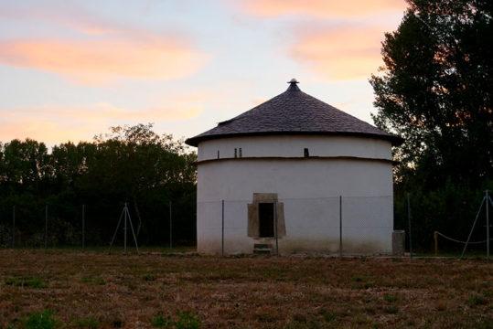 palomar-monasterio-santa-maria-de-carracedo.jpg