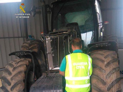 guardia-civil-tractor.jpg