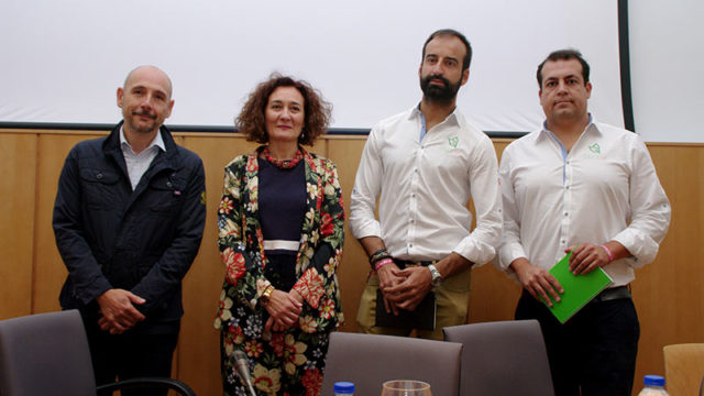 Ponferrada ampliará los servicios y beneficios de la 'Tarjeta ciudadana'