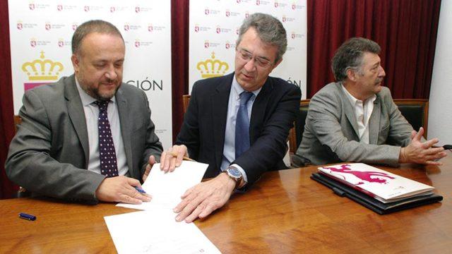 Diputación y Consejo firman el convenio del Banco de Tierras de 2017 dotado con 90.000 €