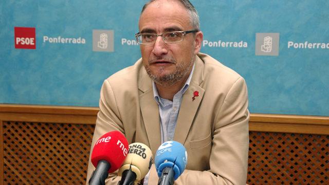 El PSOE ve inevitable la subida del recibo del agua para acometer la renovación de la red de abastecimiento