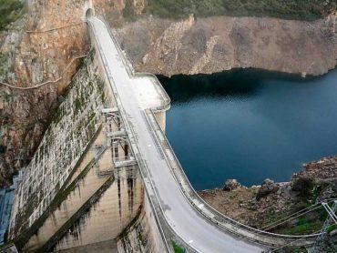 Ponferrada muy vulnerable ante una posible rotura de la presa de Bárcena, según la tesis de Laura Tascón