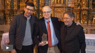 Carqueixa entrega la Pica de Oro a Vicente Fernández por su compromiso con la cultura y el patrimonio