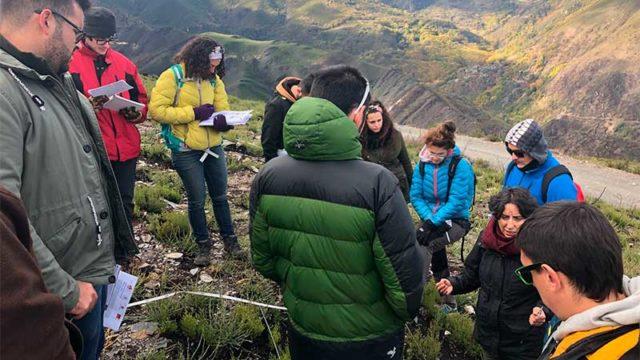 Los alumnos del máster Fuego analizan sobre el terreno los efectos de la Tebaida Berciana