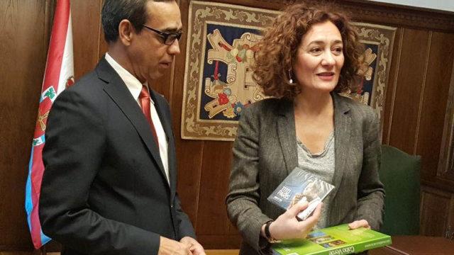 Ney Cardoso propone hermanar Ponferrada con la localidad caboverdiana de San Nicolao