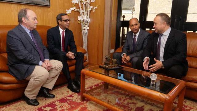 El embajador de Cabo Verde estrecha lazos comerciales y culturales con Bembibre