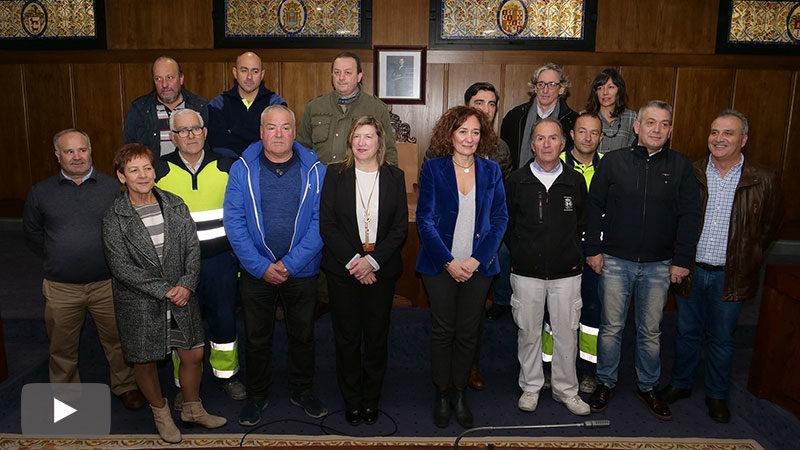 El Salón de Sesiones incorpora 4 vidrieras y 31 fotos de los alcaldes de Ponferrada desde 1900