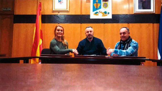 Camponaraya firma un convenio de colaboración con el Club de Halterofilia