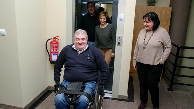 Villafranca mejora la accesibilidad en el Ayuntamiento con un ascensor