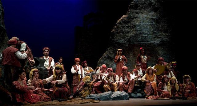 el-trovador-opera-2001.jpg