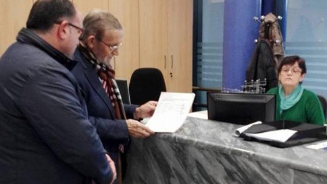 El PRB recoge firmas para el asfaltado del camino de Espinoso a Compludo
