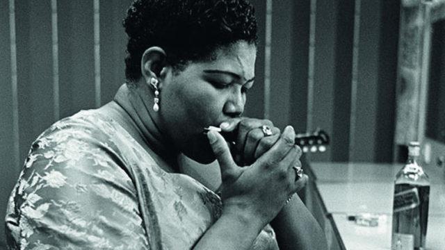 Noemí Sabugal publica 'Una chica sin suerte', una novela sobre la gira de la cantante de blues Big Mama en 1965