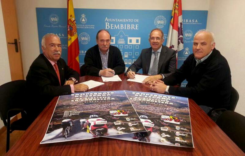 firma convenio campeonato de España de Ciclismo
