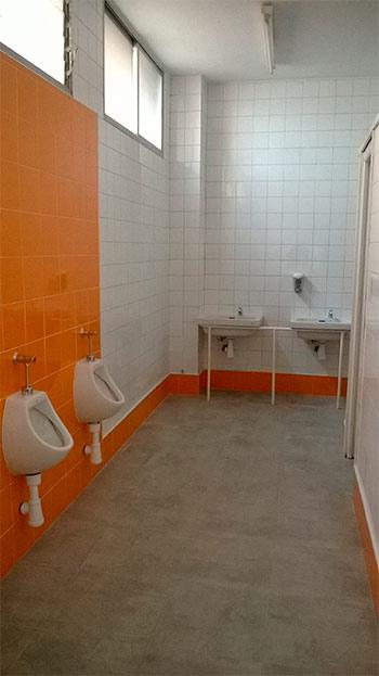 Baños colegio VIrgen de la V Angustia-Cacabelos