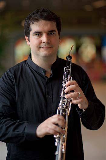 Éric González
