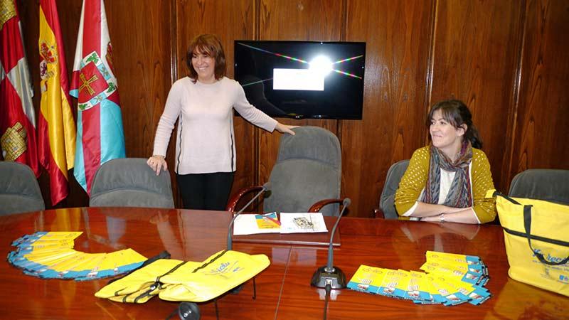 """La Concejal de Medio Ambiente, Cristina López Voces, presenta la campaña """"Reciclemos"""". Foto: Bierzotv"""