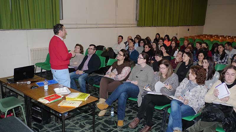 Curso de Lectura Eficaz impartido por el profesor Luis Alonso Tirado en el Colegio La Asunción de Ponferrada. Foto Bierzotv.