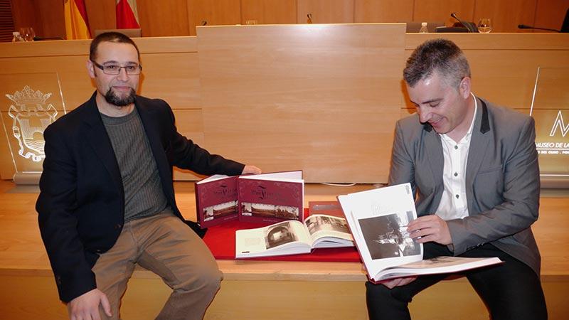 Santiago Macías y Manuel Blanco Pacios presentan Ponferrada en Fotogramas. Foto Bierzotv.