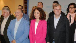 Eduardo Fernández, Gloria F. Merayo y Antonio Silván en la presentación de los candidatos del pp del Bierzo y Laciana a las Municipales de 2015. Foto Bierzotv