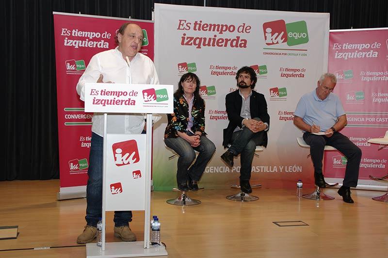 Mitin de IU en la Casa de la Cultura de Ponferrada con la presencia del Coordinador Federal, Cayo Lara. Foto Bierzotv