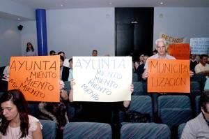 Vecinos Ponferrada durante la celebración del Pleno del 18 de mayo de 2015. Foto Bierzotv.