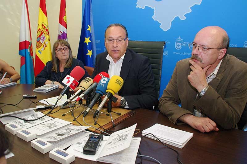 Alfonso Arias, Javier Corral y Haydee Rivera presentan el programa didáctico sobre Enrique Gil y Carrasco. Foto Bierzotv.
