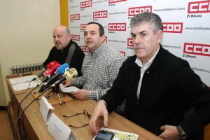 Ursicino Sánchez, Alberto Canosa y Jorge Vega presentan las IV Jornadas Otra Economía es Posible. Foto: Raúl C.