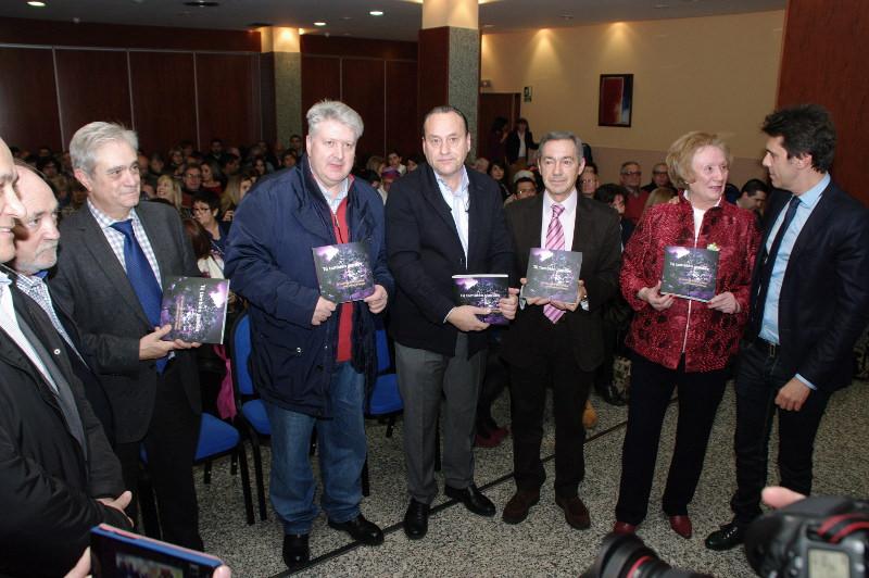 """Presentación del libro """"Tú también puedes"""" de Miguel Ángel Blanco. Foto: Raúl C."""