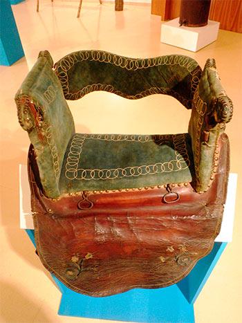 Silla de montar del siglo XIX - Museo Alto Bierzo