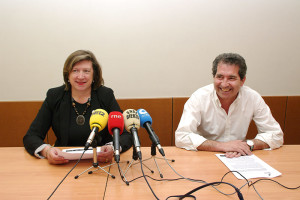 María Antonia Gancedo y Miguel Ángel Varela presentan la beca de altos estudios de la Fundación Pedro Álvarez Osorio. Foto: Raúl C.