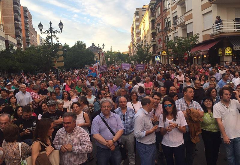 Participantes en la manifestación del 29J en la Calle Ancha. Foto: Marta Vidal.