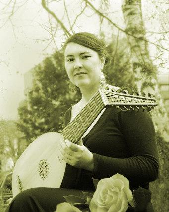Ensemble La Folichón - María Luz Martínez (Tiorba).